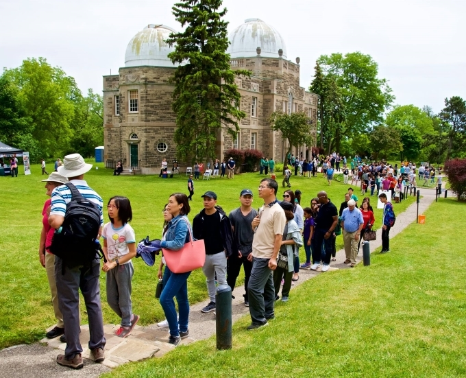line up for dome tour on DDO opening day