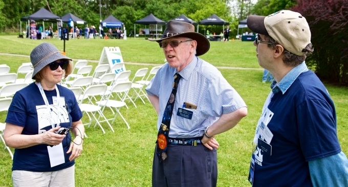volunteers chatting on DDO opening day