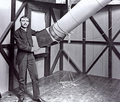 photograph of Henry Draper with early imaging system