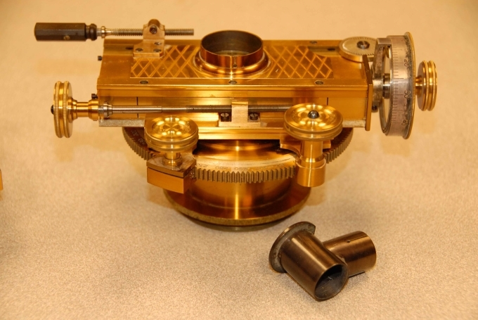 antique filar device for measuring celestial objects