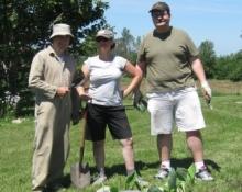 New flower garden around well cap; Niels Walkau, Risa Horowitz, Tom Luton (Credit: Phil Chow)